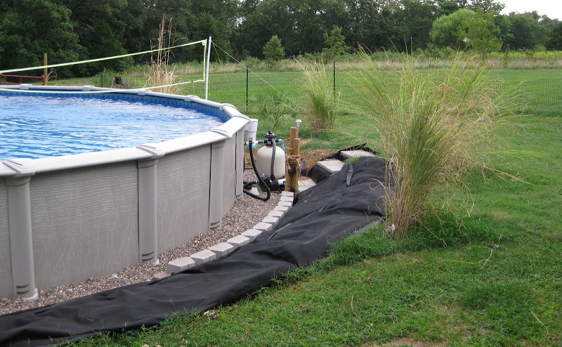 Above ground pool with hot tub landscaping for Above ground pool decks jacksonville fl